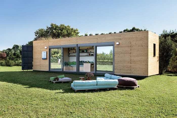 studio container aménagé avec toiture végétalisée
